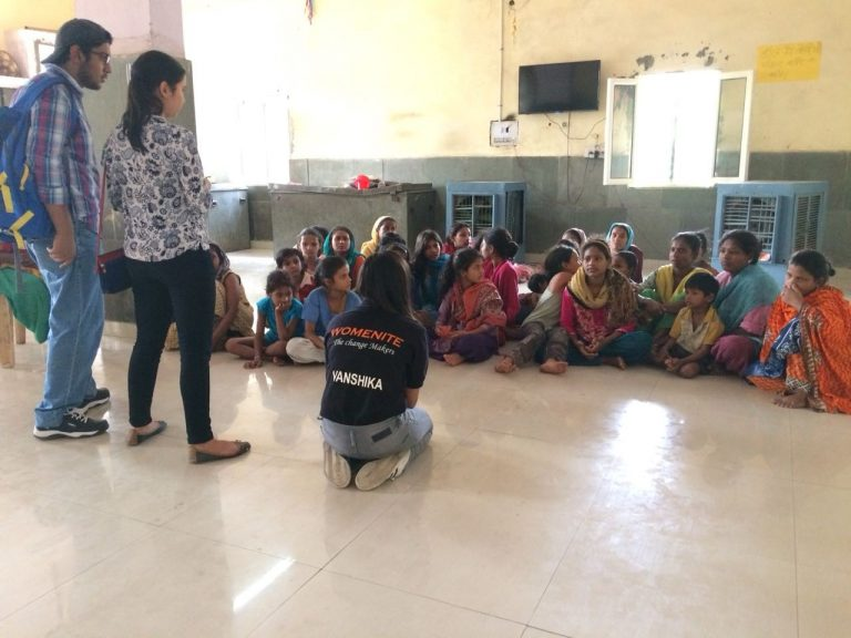 Menstrual hygiene session at Nizamudin dargah